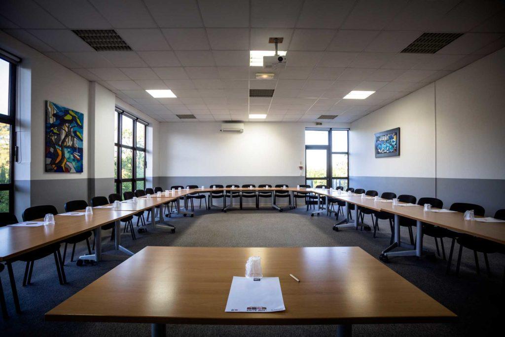 Séminaire : salle de réunion professionnelle